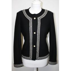 veste en laine noire et blanche