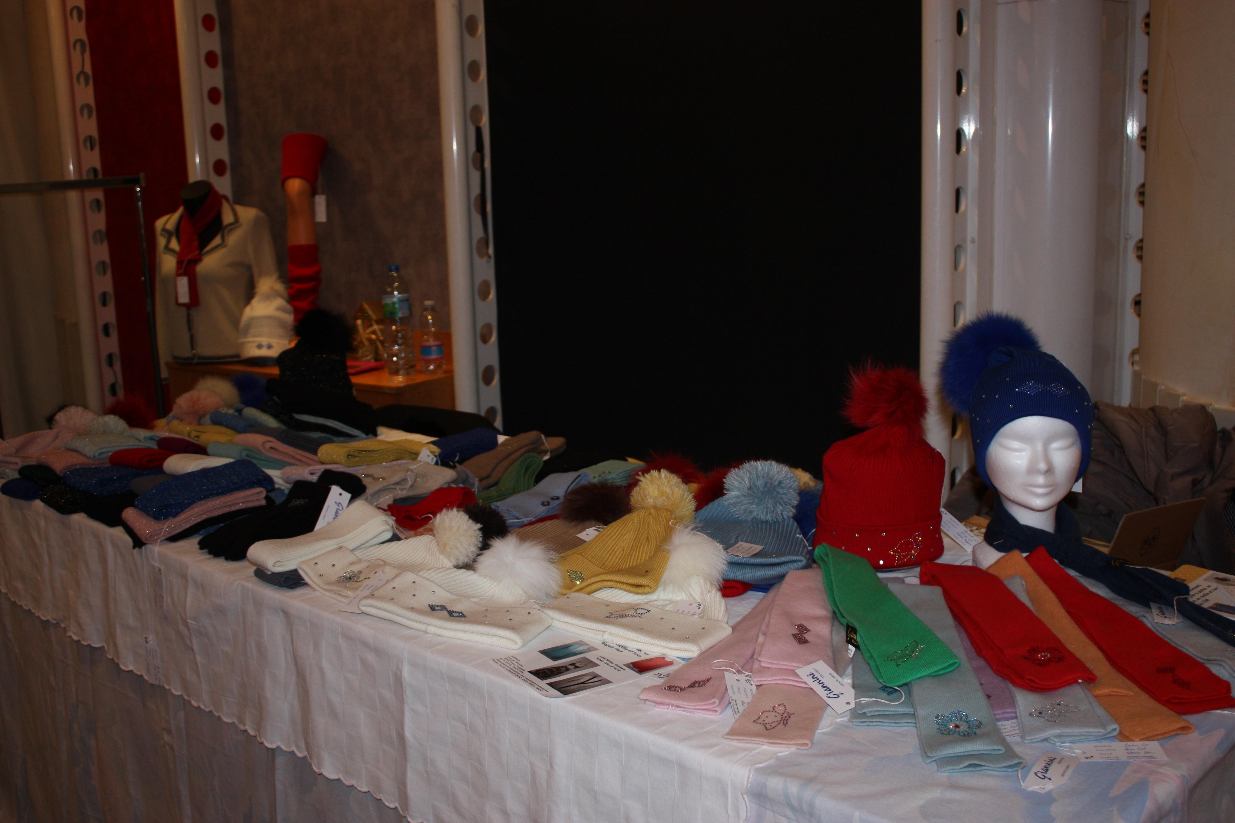 bonnets et accessoires chauds pour l'hiver